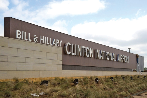bill-and-hillary-clinton-national-airport-sign